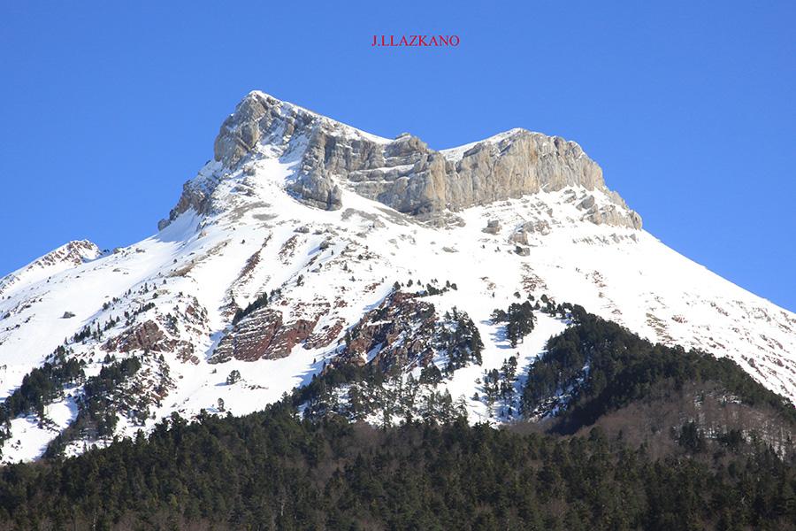 pirineo-aragones-293.selva-de-oza.castillo-de-acher.2014-03-08